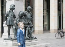 Lezende beelden Dresden en Leipzig